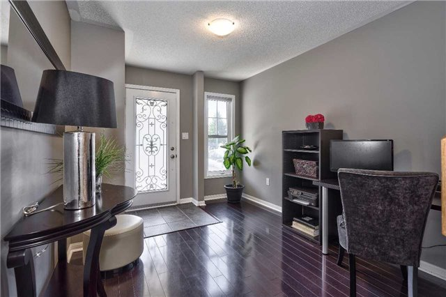 Townhouse at 913 Deverell Pl, Milton, Ontario. Image 12
