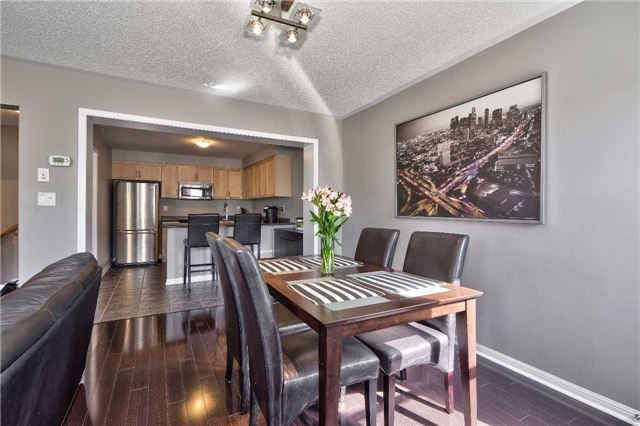 Townhouse at 913 Deverell Pl, Milton, Ontario. Image 3