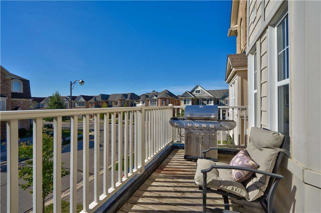 Townhouse at 913 Deverell Pl, Milton, Ontario. Image 4