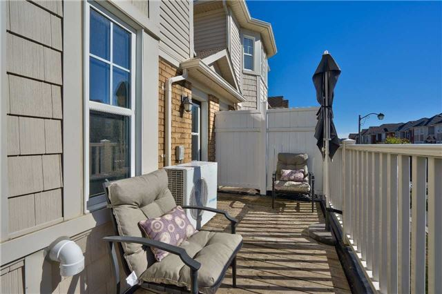 Townhouse at 913 Deverell Pl, Milton, Ontario. Image 5