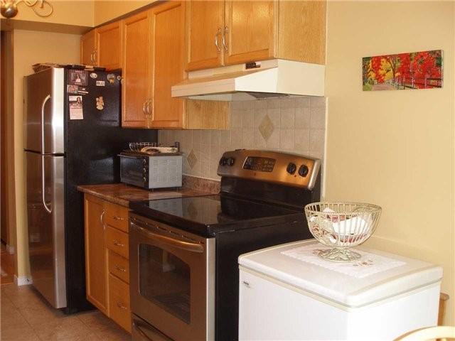 Condo Apartment at 350 Rathburn Rd W, Unit 1107, Mississauga, Ontario. Image 14