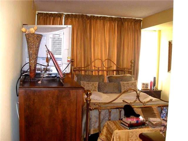 Condo Apartment at 350 Rathburn Rd W, Unit 1107, Mississauga, Ontario. Image 20
