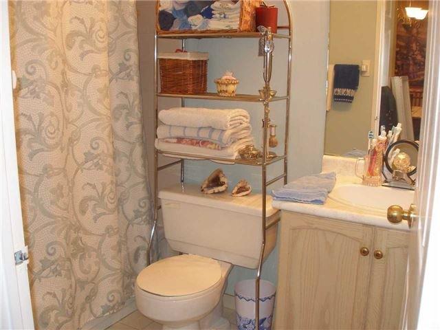 Condo Apartment at 350 Rathburn Rd W, Unit 1107, Mississauga, Ontario. Image 5