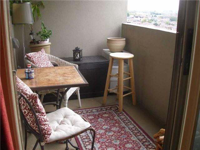 Condo Apartment at 350 Rathburn Rd W, Unit 1107, Mississauga, Ontario. Image 6
