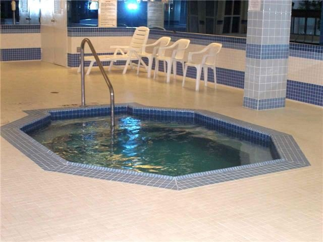 Condo Apartment at 350 Rathburn Rd W, Unit 1107, Mississauga, Ontario. Image 11