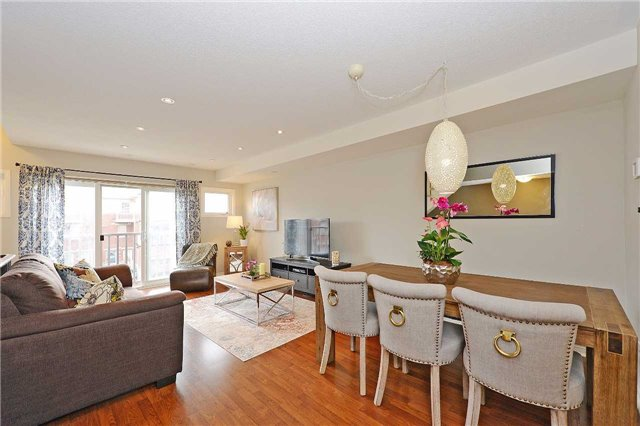 Condo Townhouse at 3250 Bentley Dr, Unit 34, Mississauga, Ontario. Image 12