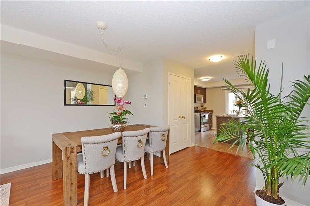 Condo Townhouse at 3250 Bentley Dr, Unit 34, Mississauga, Ontario. Image 13