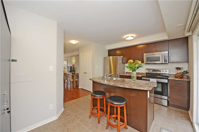 Condo Townhouse at 3250 Bentley Dr, Unit 34, Mississauga, Ontario. Image 15