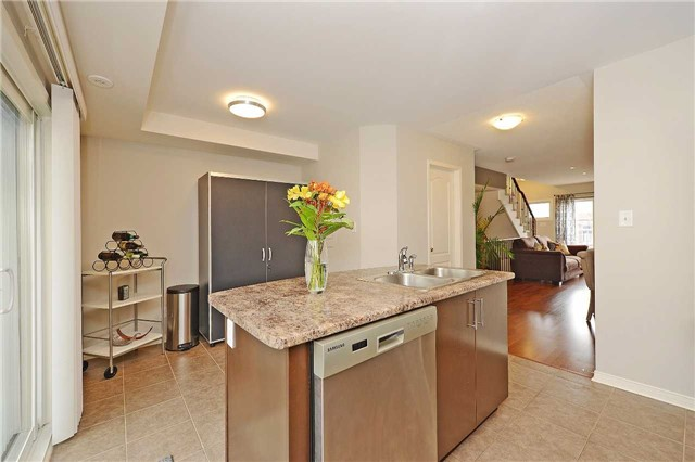 Condo Townhouse at 3250 Bentley Dr, Unit 34, Mississauga, Ontario. Image 16