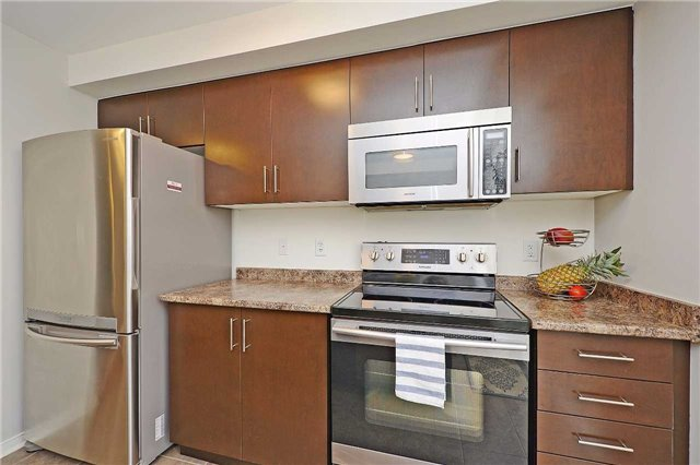 Condo Townhouse at 3250 Bentley Dr, Unit 34, Mississauga, Ontario. Image 17