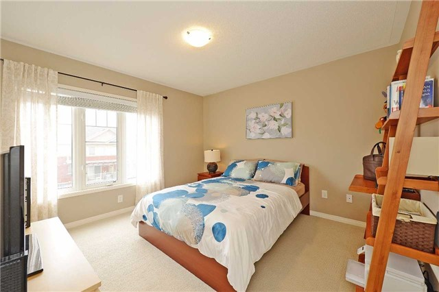 Condo Townhouse at 3250 Bentley Dr, Unit 34, Mississauga, Ontario. Image 3