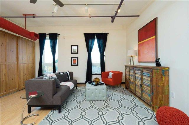 Condo Apartment at 121 Prescott Ave, Unit 27, Toronto, Ontario. Image 6