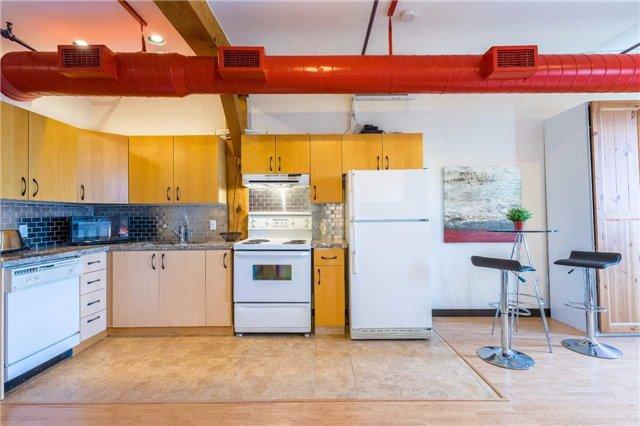 Condo Apartment at 121 Prescott Ave, Unit 27, Toronto, Ontario. Image 10