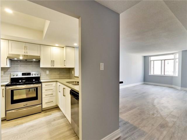 Condo Apartment at 300 Webb Dr, Unit Ph4, Mississauga, Ontario. Image 12