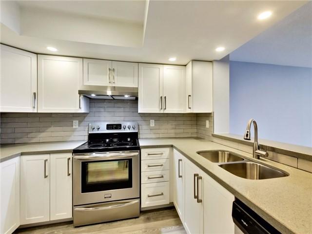 Condo Apartment at 300 Webb Dr, Unit Ph4, Mississauga, Ontario. Image 15