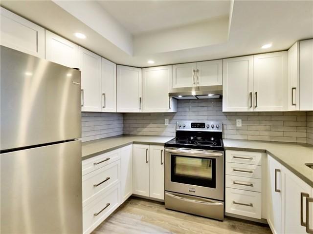 Condo Apartment at 300 Webb Dr, Unit Ph4, Mississauga, Ontario. Image 16