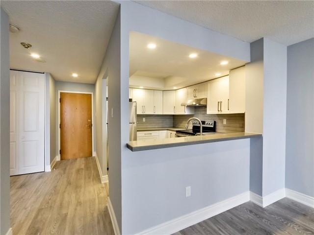 Condo Apartment at 300 Webb Dr, Unit Ph4, Mississauga, Ontario. Image 19