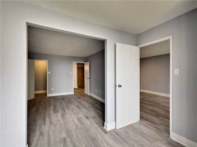 Condo Apartment at 300 Webb Dr, Unit Ph4, Mississauga, Ontario. Image 5