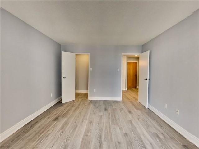 Condo Apartment at 300 Webb Dr, Unit Ph4, Mississauga, Ontario. Image 7