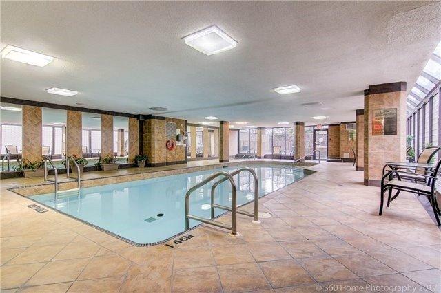 Condo Apartment at 300 Webb Dr, Unit Ph4, Mississauga, Ontario. Image 13