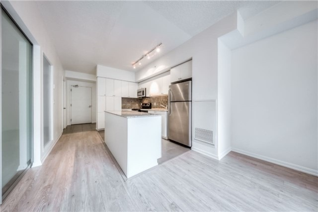 Condo Apartment at 800 Lawrence Ave, Unit 202, Toronto, Ontario. Image 15