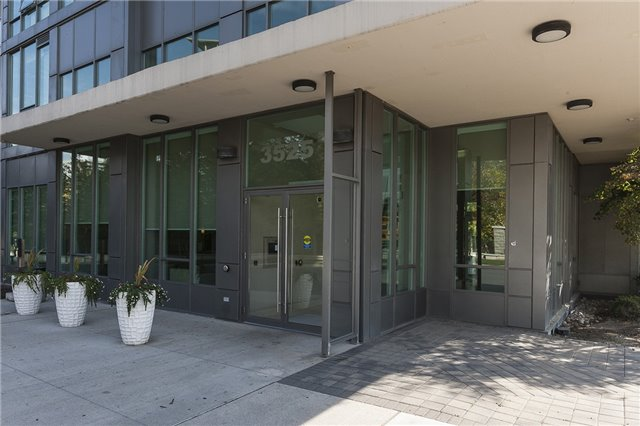 Condo Apartment at 3525 Kariya Dr, Unit 1503, Mississauga, Ontario. Image 12
