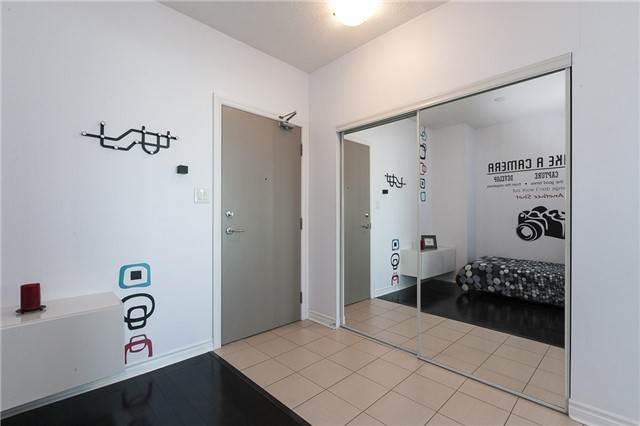 Condo Apartment at 3525 Kariya Dr, Unit 1503, Mississauga, Ontario. Image 15