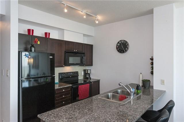 Condo Apartment at 3525 Kariya Dr, Unit 1503, Mississauga, Ontario. Image 17