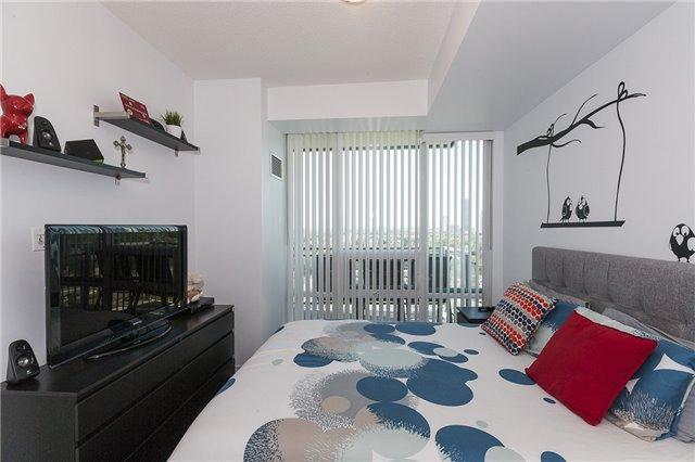 Condo Apartment at 3525 Kariya Dr, Unit 1503, Mississauga, Ontario. Image 2