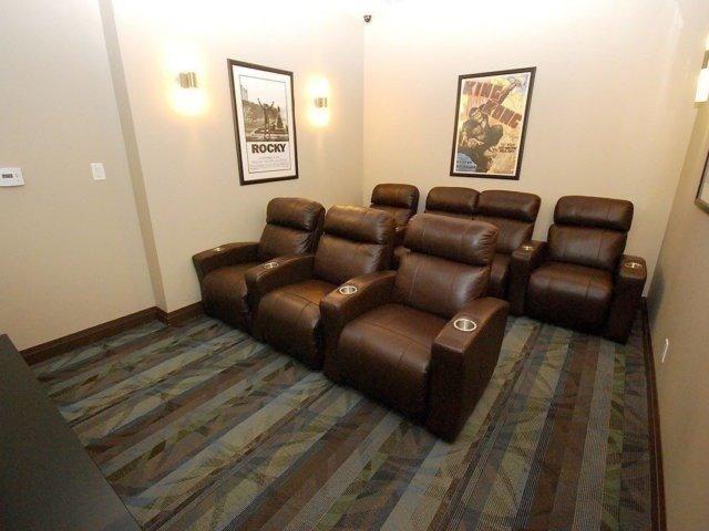 Condo Apartment at 3525 Kariya Dr, Unit 1503, Mississauga, Ontario. Image 11