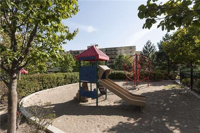 Condo Apartment at 3525 Kariya Dr, Unit 1503, Mississauga, Ontario. Image 13