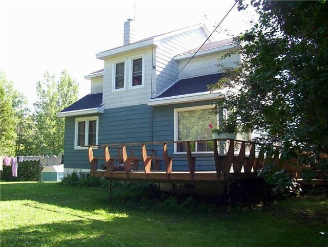 Detached at 785 Granary Lake Rd, Blind River, Ontario. Image 12