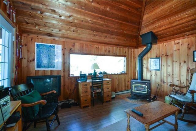 Cottage at 32272 Georgian Bay Shor, Georgian Bay, Ontario. Image 3
