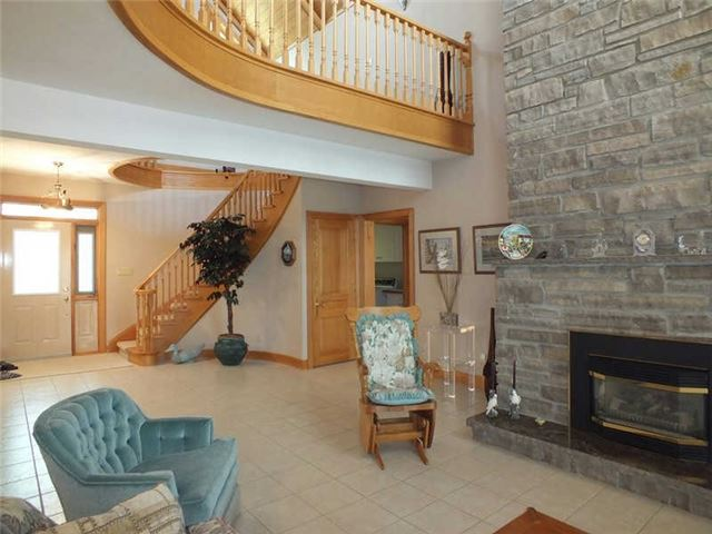 Detached at 191 Moore Point Rd, Georgian Bay, Ontario. Image 13