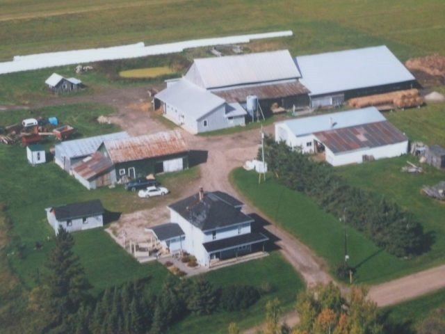 Farm at 492042 Armstrong Beauchamp Rd, Timiskaming Remote Area, Ontario. Image 1