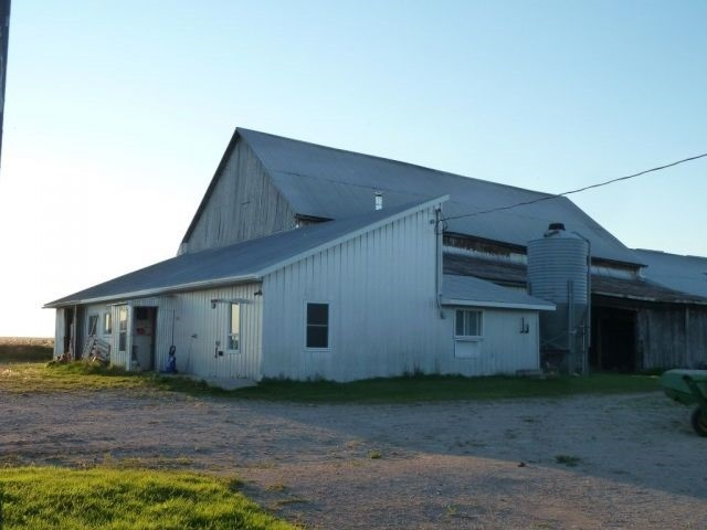 Farm at 492042 Armstrong Beauchamp Rd, Timiskaming Remote Area, Ontario. Image 6