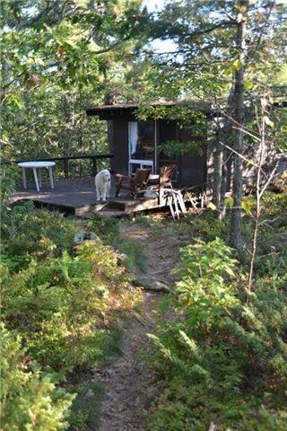 Cottage at B-607 Downward Island, Carling, Ontario. Image 9