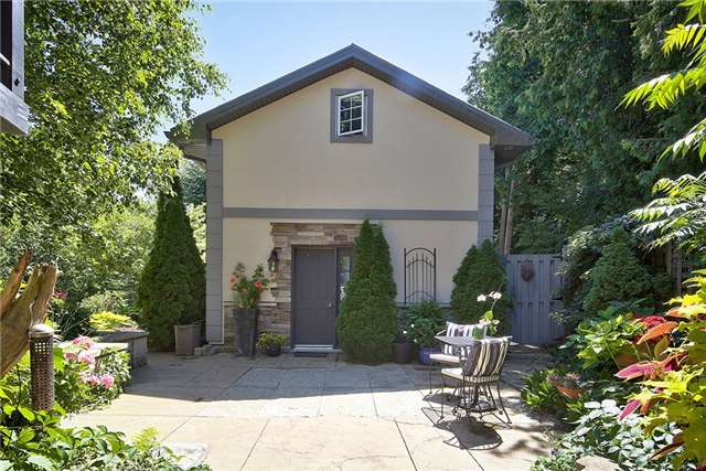 Detached at 266 Cameron St, Blue Mountains, Ontario. Image 6