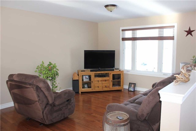 Detached at 158 Garden Village Rd, Sturgeon Falls, Ontario. Image 4