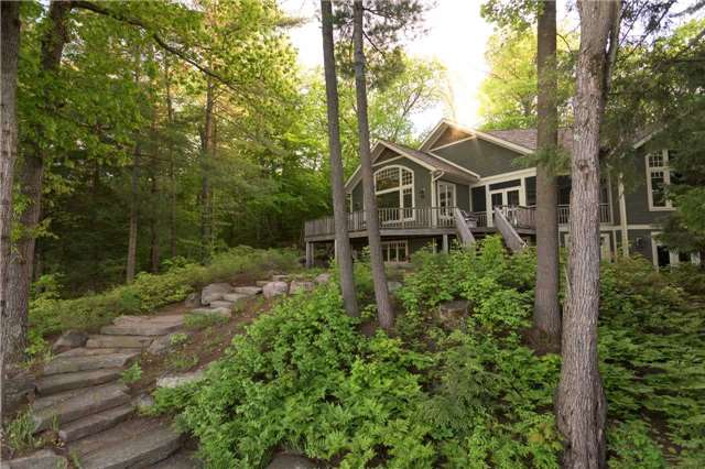 Cottage at 1023 Heather Lodge Rd, Muskoka Lakes, Ontario. Image 12