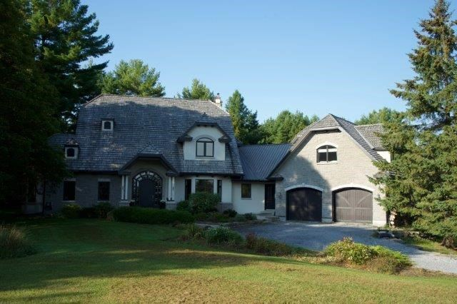 Detached at 2481 Sixth Line Rd, Dunrobin, Ontario. Image 1