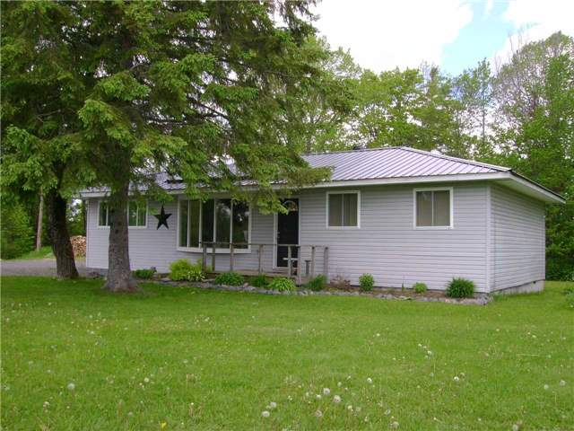 Detached at 12424 Highway 522, Muskoka Lakes, Ontario. Image 1