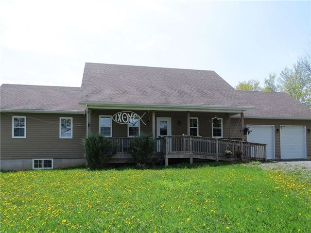 Detached at 401 Pine Grove Rd, Lanark Highlands, Ontario. Image 1