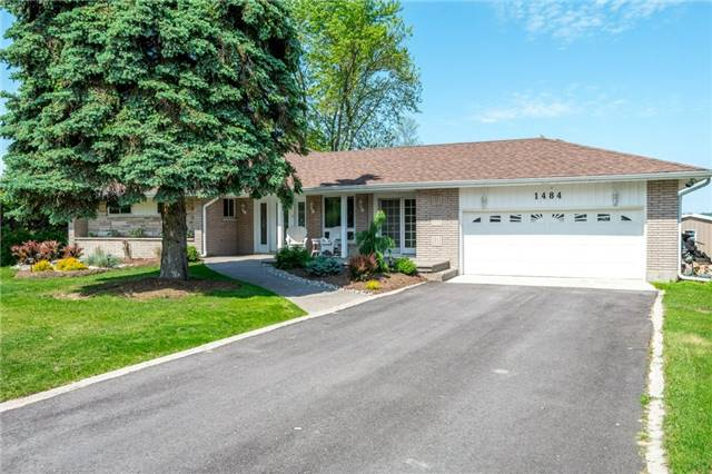 Detached at 1484 Hawkswood Dr, Smith-Ennismore-Lakefield, Ontario. Image 1