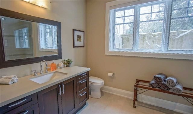 Detached at 164 Arrowhead Rd, Blue Mountains, Ontario. Image 7