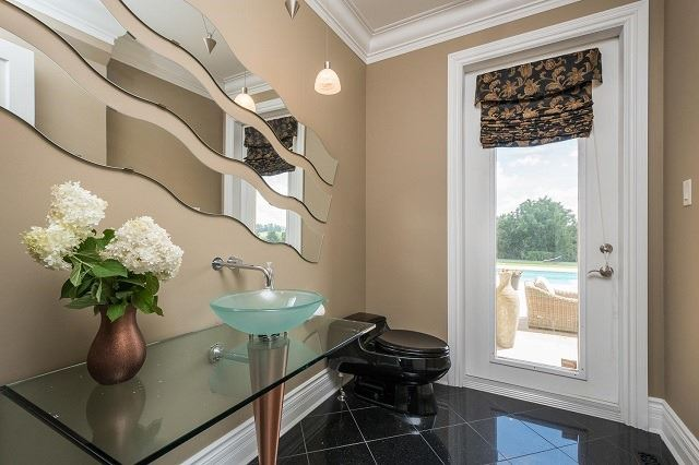 Detached at 3299 Catherine St, Thames Centre, Ontario. Image 13
