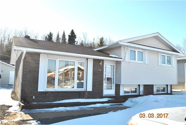 Detached at 48 Southridge Cres, Terrace Bay, Ontario. Image 1