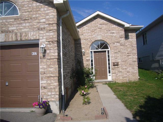 Detached at 417 Irwin St, Midland, Ontario. Image 1