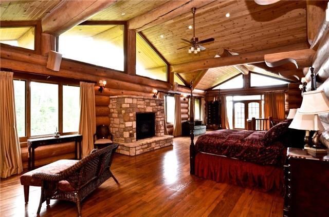 Cottage at 100 Melissa Lane, Tiny, Ontario. Image 4