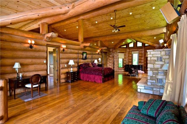 Cottage at 100 Melissa Lane, Tiny, Ontario. Image 5